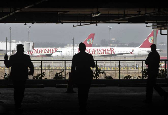 Four banks plan to sell Kingfisher Airlines' assets to ARCs