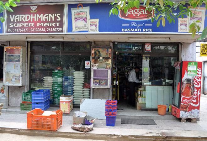 Corona shows Kirana's might! Amazon, Reliance woo the humble neighborhood store