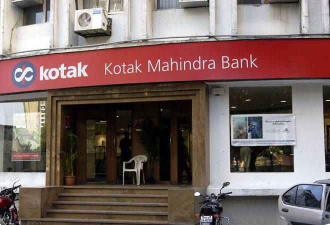 Kotak Mahindra Bank share falls 5% on salary cut due to coronavirus crisis