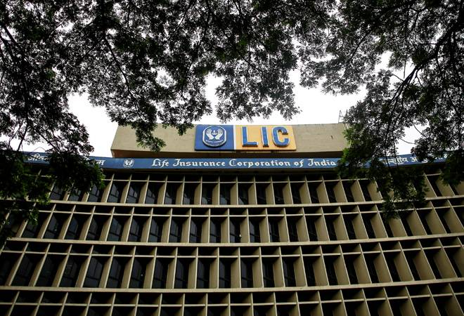 LIC raises FY19 provisioning by 30% to Rs 23,760 crore