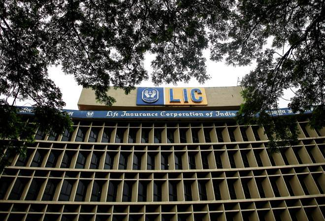 Govt to hire Deloitte, SBI Caps for LIC's IPO