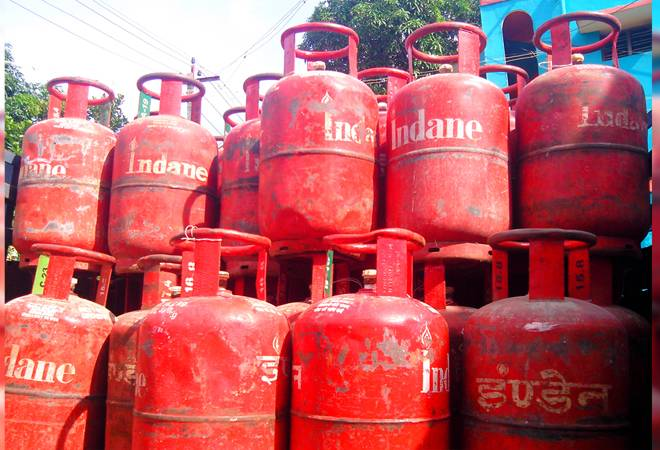 Non-subsidised LPG price reduced by Rs 53; check new rates here