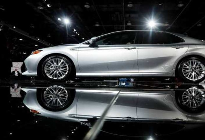 Luxury car makers expect lower taxes on automobiles in upcoming budget