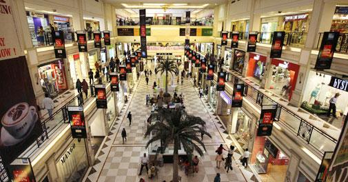 Consumers hunt for bargains this festive season
