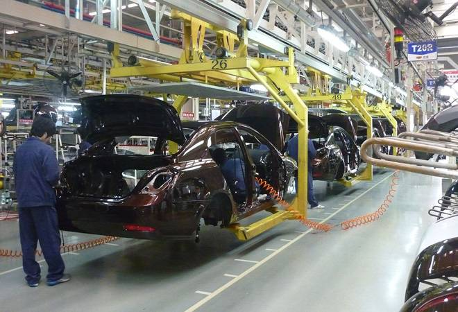 Top automakers plan production cuts in response to slow demand