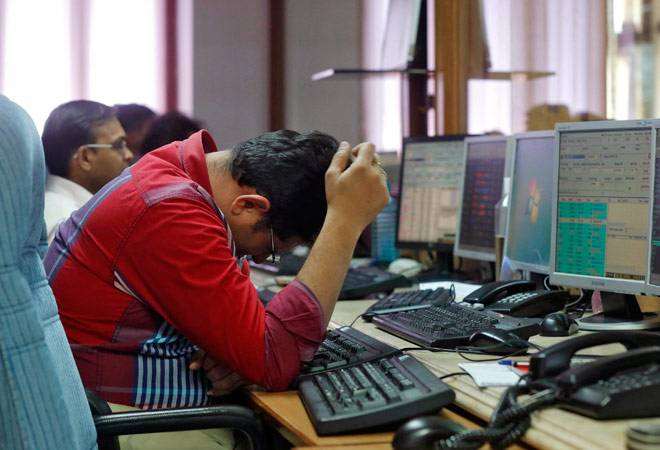 Sensex cracks over 500 points, Nifty below 8,750 as odds of Fed rate hike strengthen