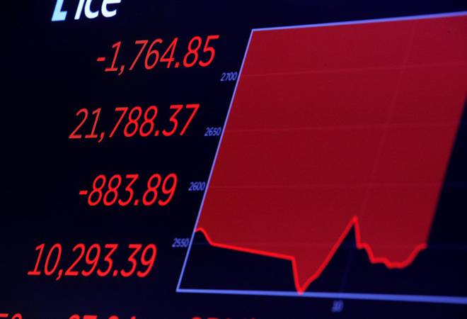 Coronavirus: Stocks nosedive, dollar plunges as Fed's emergency cut scares investors