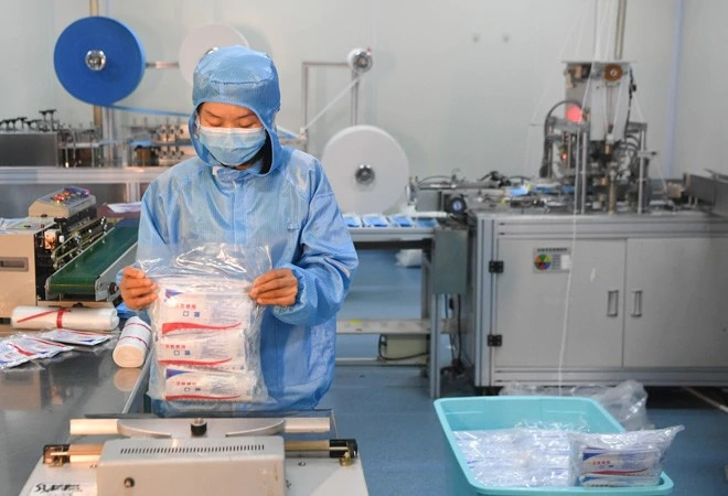 Coronavirus lockdown: India lifts ban on export of non-surgical masks