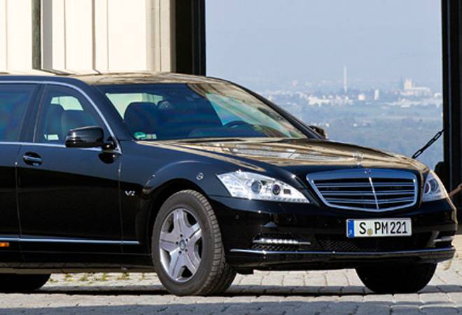 Mercedes-Benz steers ahead of Audi as the new luxury car market leader