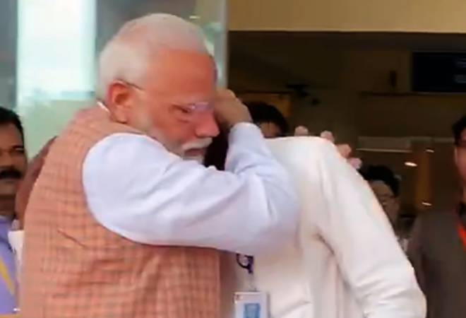 ISRO chief gets emotional after Chandrayaan-2 setback; PM Modi gives him heartfelt hug. Watch video
