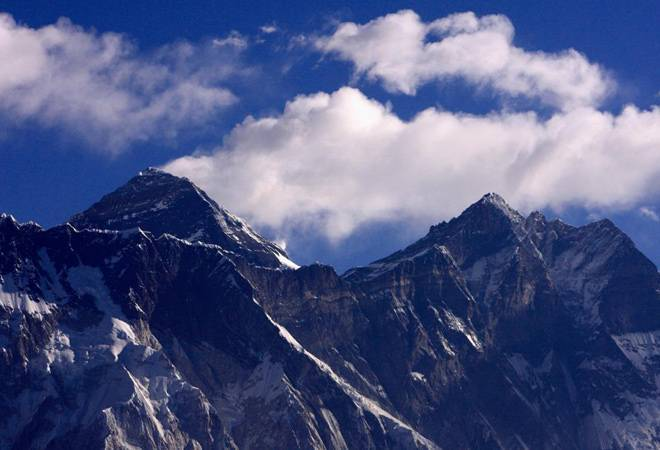 Chinese survey team summits Mt Everest to remeasure exact height