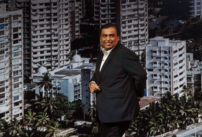 Reliance Retail to offload up to 15-20% stake, raise Rs 80,000 crore