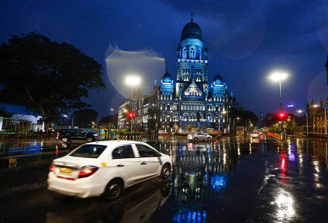 Cyclone Nisarga Update: Mumbai police imposes curfew until June 4 ahead of severe storm