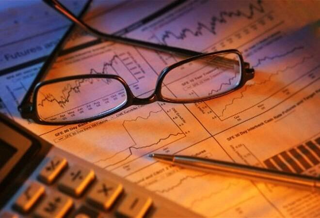 Mutual funds draw over Rs 14,300 crore from equities in October