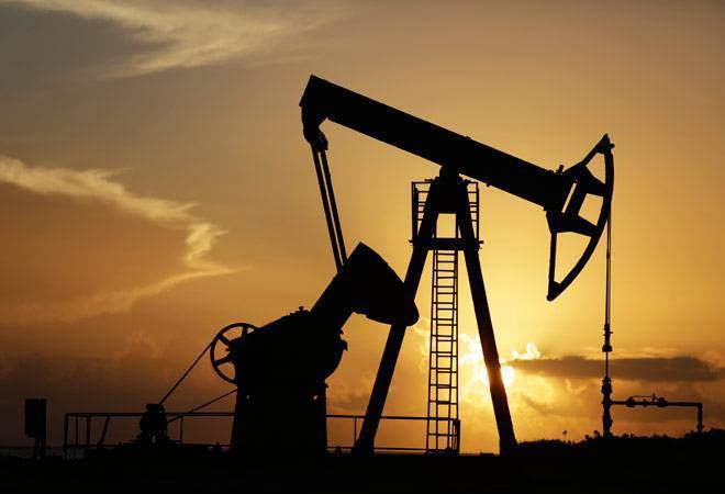 India's crude oil production declines 5% in October; natural gas output down 5.6%
