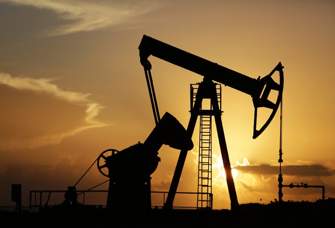 US becomes biggest oil producer in 2014, surpasses S Arabia