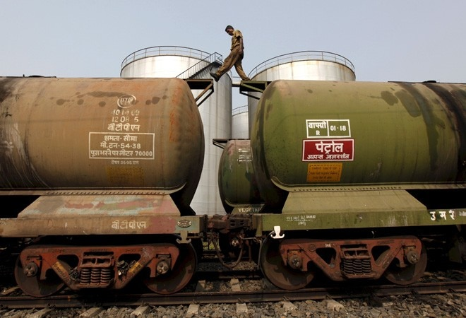 India unlikely to face oil crisis even if Iran, US turn to war: experts