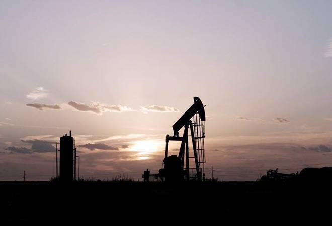 Record oil output cut fails to make impact in coronavirus-hit market