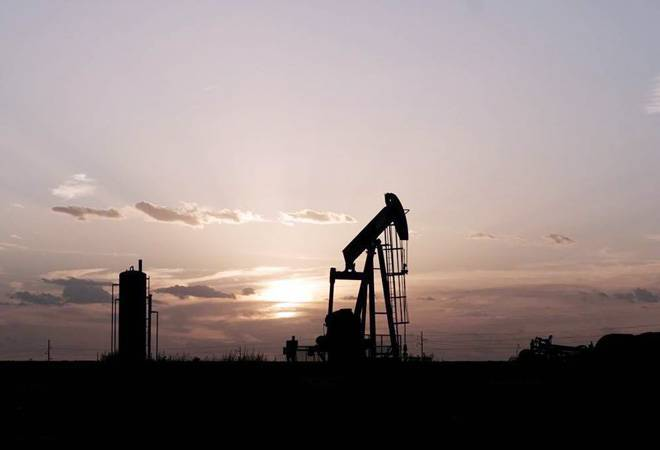Oil heads for steep weekly loss as demand continues to slide