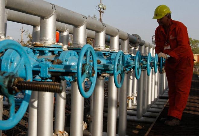 Govt suspends ONGC technical director Shashi Shankar