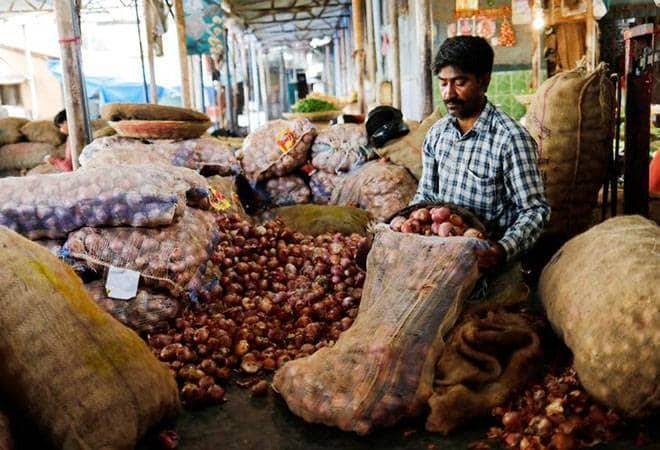 Govt caps stock limit on onion retailers to 2 tons from 5 tonnes to check hoarding