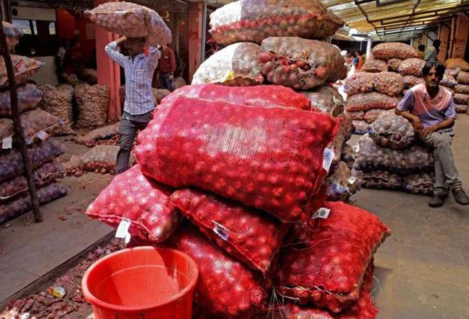 Onion nears Rs 80 per kg in Delhi, Mumbai; prices likely to remain high for a month