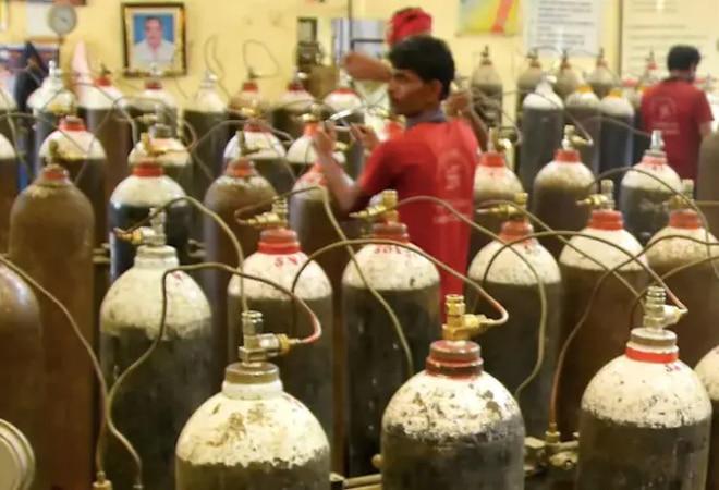 Ghaziabad gurudwara runs 'Oxygen Langar' as cases spike