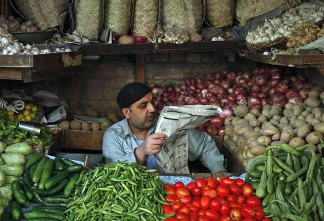 Tomato prices sky-rocket in Pakistan; Imran Khan govt blames India
