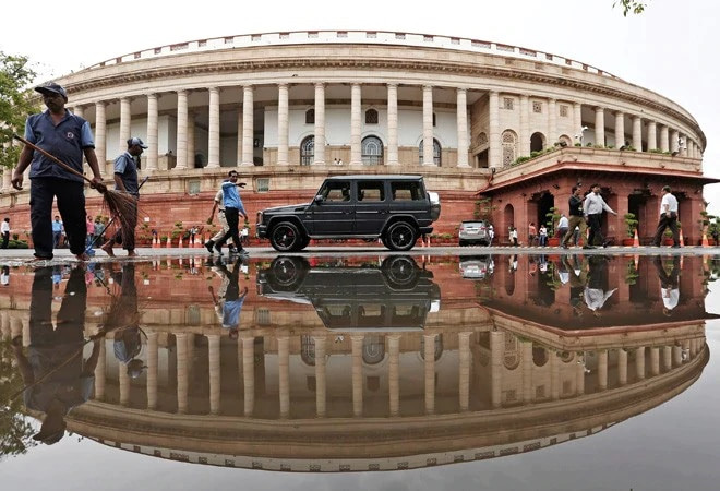 Parliament Session: Lok Sabha adjourned for an hour following obituaries