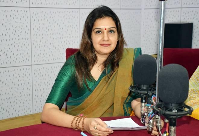Priyanka Chaturvedi joins Shiv Sena; says 'goons' get preference in Congress