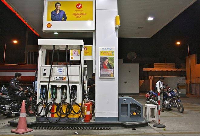 Dealers cashing three times commission on petrol, four times on diesel than 13 years ago