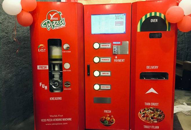 Get instant pizza at Mumbai Central with IRCTC's automatic pizza vending machine