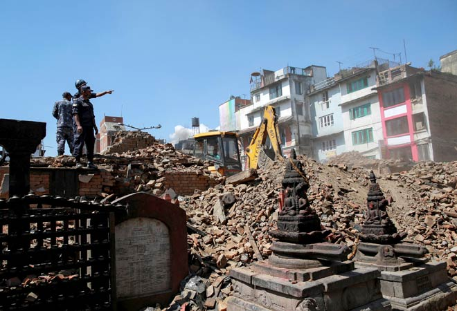 Nepal earthquake toll may reach 10,000, says PM