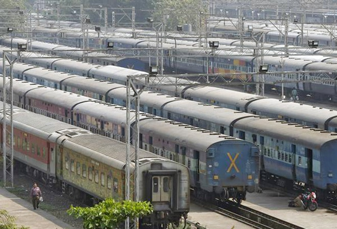 Indian Railways launches drive against smoking to initiate legal action from March 31