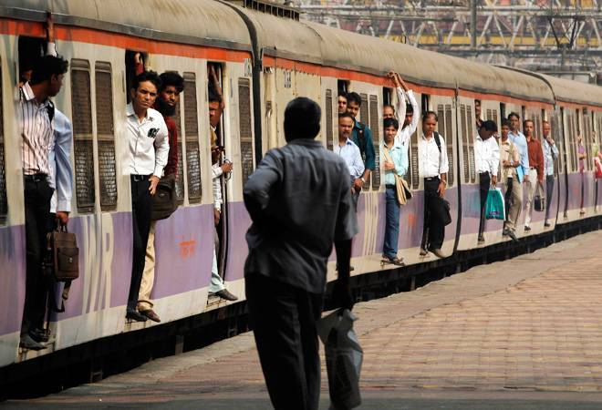 Train delays to cost top railway officials their promotion