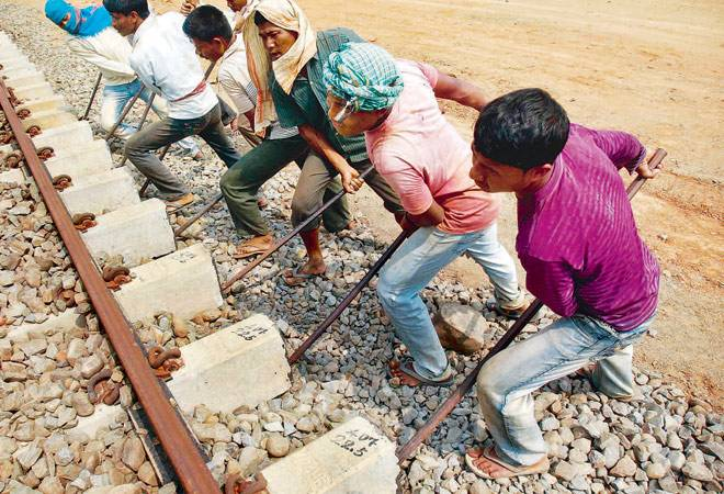 Railways to lay 7 km of track daily in 2016-17