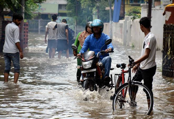 Mumbai weather: Schools, junior colleges closed after IMD issues 'heavy rainfall' warning in city, suburbs