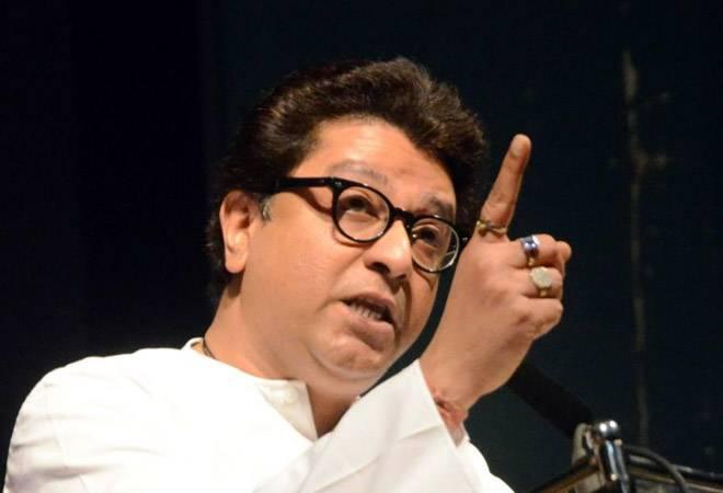 'Don't get caught in moral issues, open liquor shops': Raj Thackeray writes to Uddhav Thackeray