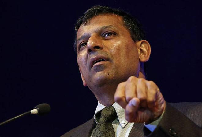 Raghuram Rajan goes with RBI panel on interest rate status quo
