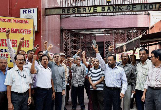 RBI workers' one-day stir hits key banking services