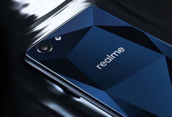 Oppo Realme 1 Review: Looks good but falls short on camera performance