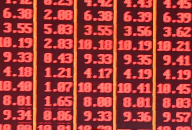 Sensex snaps 3-days of gains, ends down 394 points; ICICI Bank, HDFC among losers