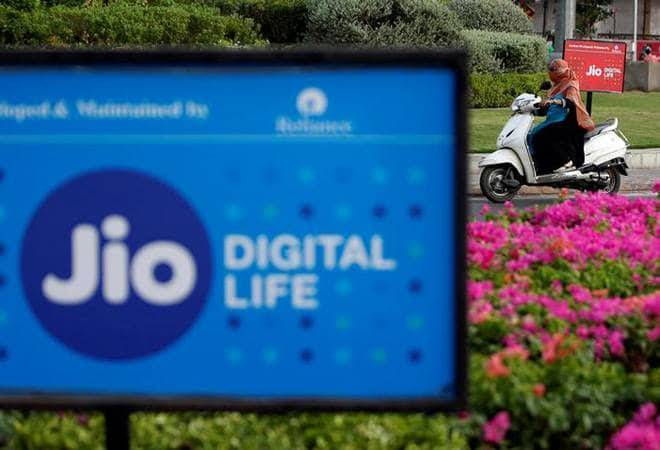 Reliance Jio pays Rs 195 crore AGR dues to DoT; Voda Idea, Airtel seek more time