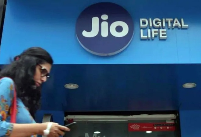 Reliance Jio's slowing subscriber growth is a warning sign for Airtel, Vodafone Idea; here's how