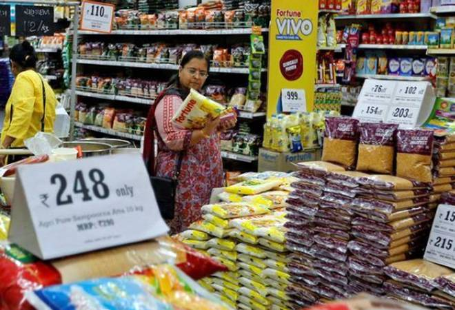 GST Council to make it mandatory for restaurants, malls, shopping outlets to ensure MRP includes taxes