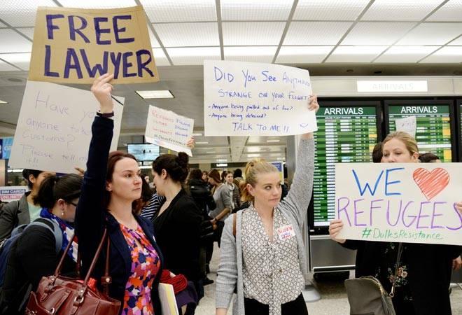 U.S. tech titans lead legal brief against Trump travel ban