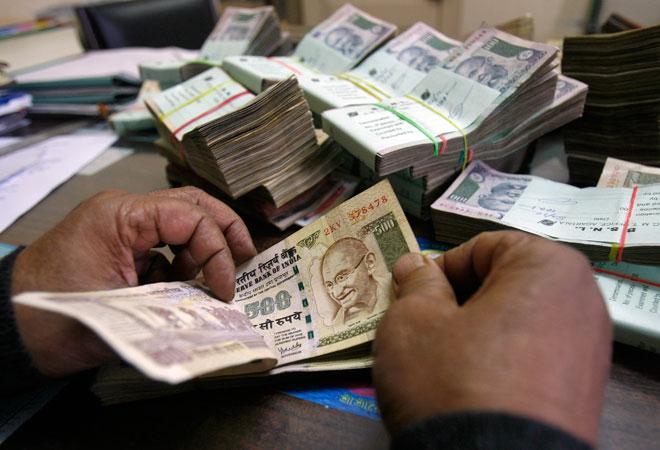 Govt to study global practices to check ponzi schemes