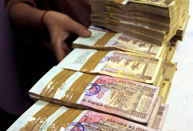 Rupee extends gains to end at 66, up 10 paise