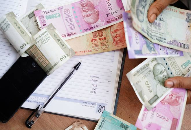 Salaries increase for top mutual fund CEOs