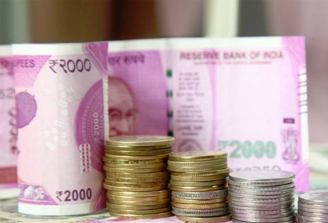 Fiscal deficit widens to Rs 6.62 lakh crore in Q1 on poor tax revenues
